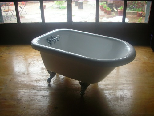 bathtub resurfacing, bathtub reglazing, bathtub refinishing